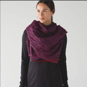 Lululemon be present scarf in magenta